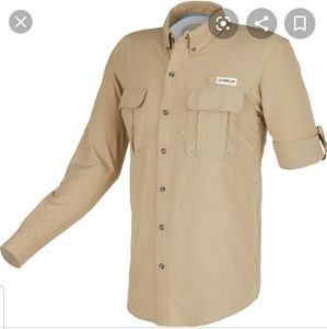 Magellan Outdoors  fishing Shirt size large  Tan